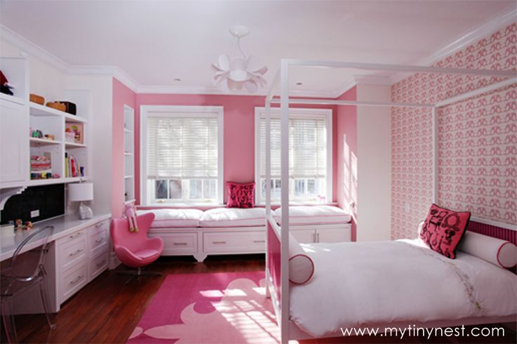 Fab Big Girl Room: Urban Pretty in Pink -  Fun and funky, yet still feminine and romantic!Girls Generation, Windows Seats, Girls Bedrooms, Kids Room, Girls Room, Pink Room, Pink Bedrooms, Bedrooms Ideas, Girl Rooms