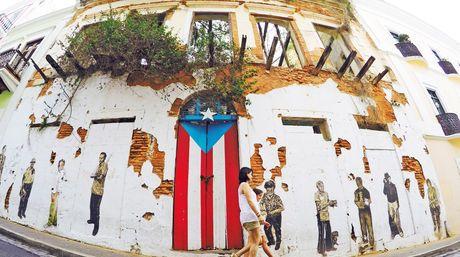 La Puerta-Bandera Puertorriqueña Pintada | AUTOGIRO/el giro del arte actual
