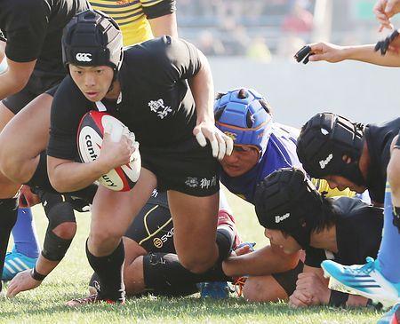 後半、トライを決める御所実の吉川=5日、大阪・花園ラグビー場 ▼5Jan2015時事通信 モール攻撃で勢い=御所実、攻守で圧倒-高校ラグビー http://www.jiji.com/jc/zc?k=201501/2015010500835 #National_High_School_Rugby_Tournament_2014_15