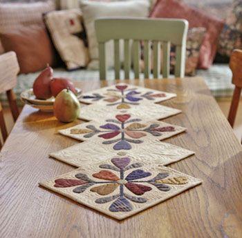 """beigecannelle: """" (via Kim's Past Projects) jolie forme ce chemin de table """""""