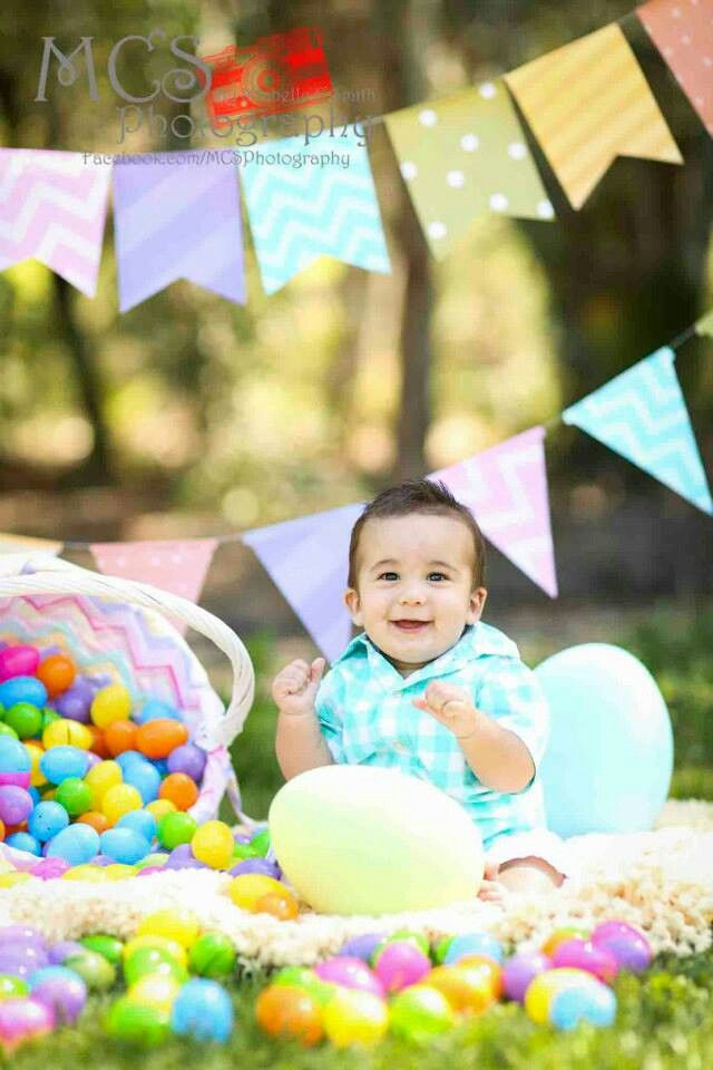 Easter mini sessions by MCS Photography  Facebook.com/mcsphotography #EasterPictures