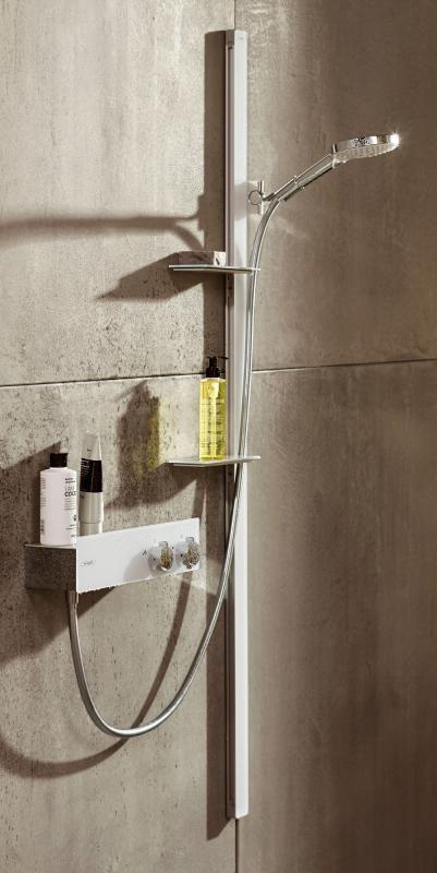Hansgrohe Raindance Select S 120 3jet & Unica´ E Brausestange 1,50 m weiß/chrom: Die Handbrause verfügt über drei Strahlarten, welche per Knopfdruck einstellbar sind. Die Brausestange verfügt über eine integrierte Seifenschale. Der Schlauch ist knickfest, flexibel, reinigungsfreundlich & mit Verdrehschutz. #handbrause #brausestange #set #dusche #shower #bad #badezimmer #bathroom #hansgrohe #raindance #select120 #modern #bath #relax #reuter #reuterde