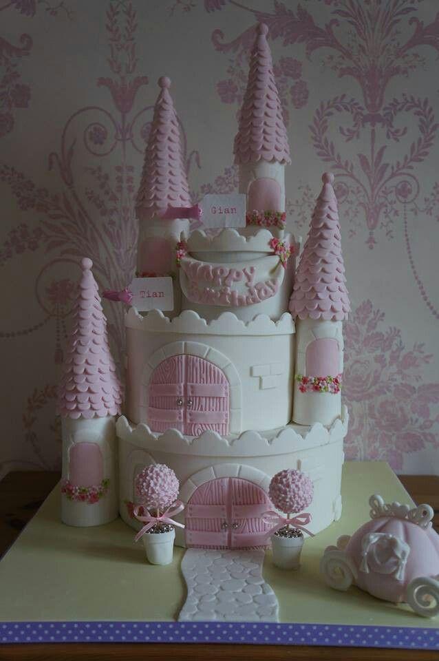 Castle cake                                                                                                                                                     Más