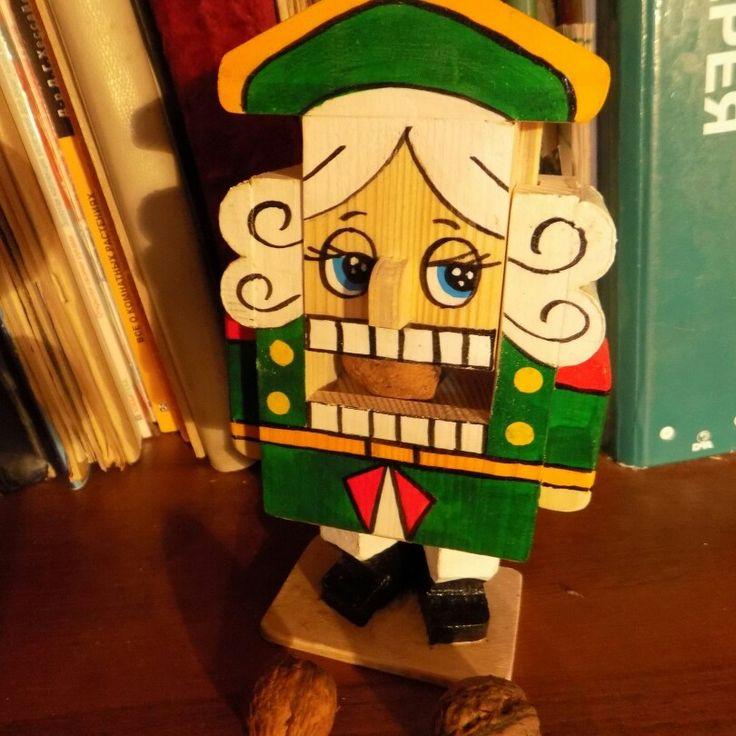 Щелкунчик деревянный, действующий, можно колоть орехи. #игрушка #щелкунчик #деревянныйщелкунчик doncov.ru