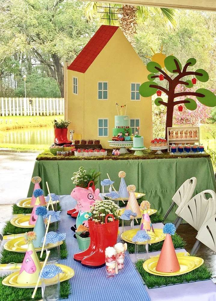 Peppa Pig birthday party table! See more party ideas at CatchMyParty.com!
