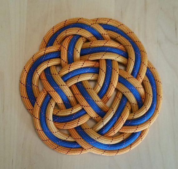 "Climbing rope mat in Orange & Blue / Nautical decor / Kitchen trivet / Sailor or boater gift / Wedding present / Celtic knot / 11"""