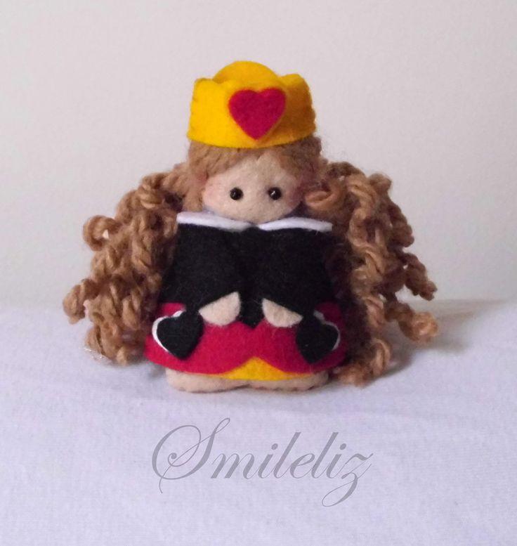 Felt doll : Reina de corazones