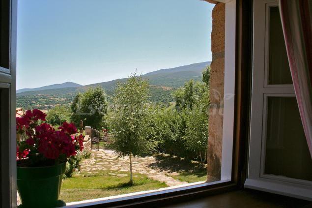 Fotos de Apartmentos Refugio de Cuencajén y Casa de Encimabiá - Casa rural en Abiada (Cantabria) http://www.escapadarural.com/casa-rural/cantabria/casa-de-encimabia/fotos#p=0000000181527