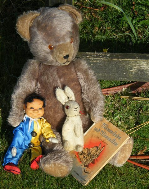 Sweetest old German bear and pals 1950's - 1960's