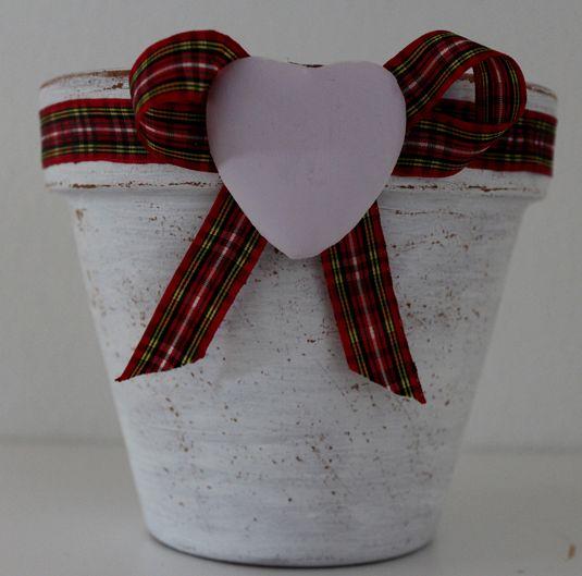 Oltre 25 fantastiche idee su lavoretti con vasi di - Decorare vasi terracotta ...