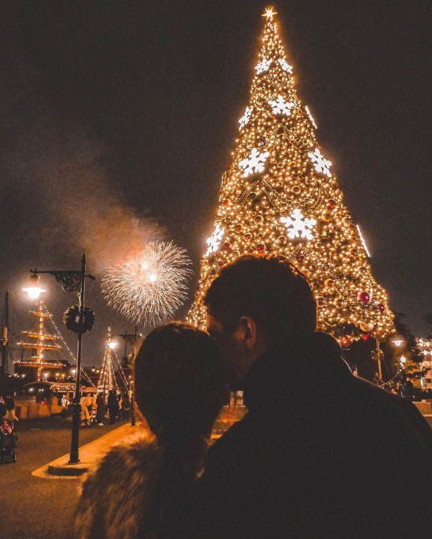Romantic Christmas Night. Fireworks. #christmas #night #???? #couplephotography #couple #photography