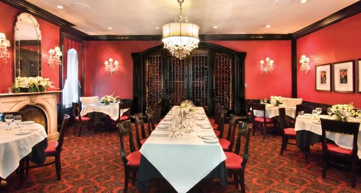 Ho-Ho-Kus Inn & Tavern | The Ho-Ho-Kus Inn & Tavern combines warmth and elegance with spectacular cuisine, served flawlessly by an experienced wait staff. www.greatplacesdirectory.com #greatplacesdirectory