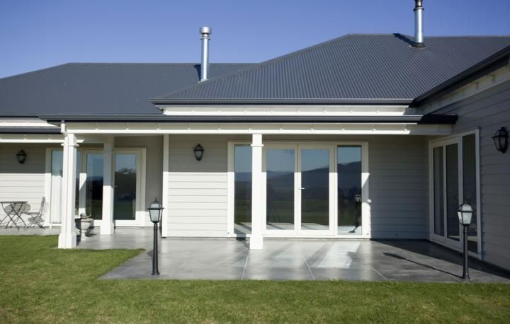 dark grey colorbond roof