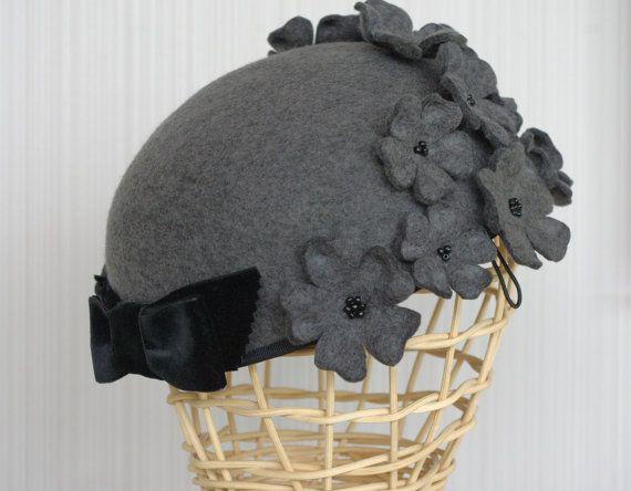 Flower felt hat / Grey felt hat with flowers / Wool felt cap / Millinery handmade / Grey wool millinery hat