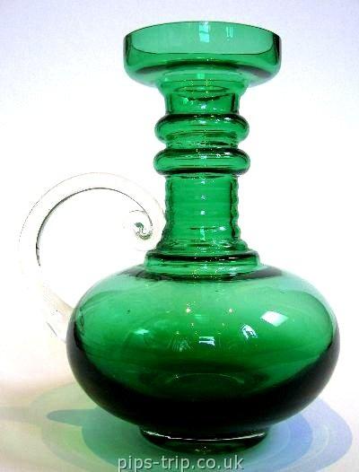 1968-75 Riihimäen (Finland) Green 'Kleopatra' Vase by Tamara Aladin