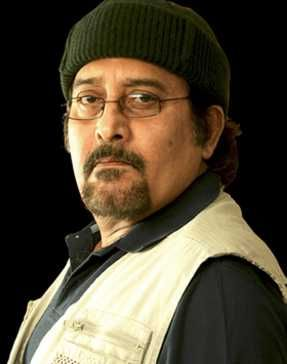Vinod Khanna in Red Alert: The War Within (2009)