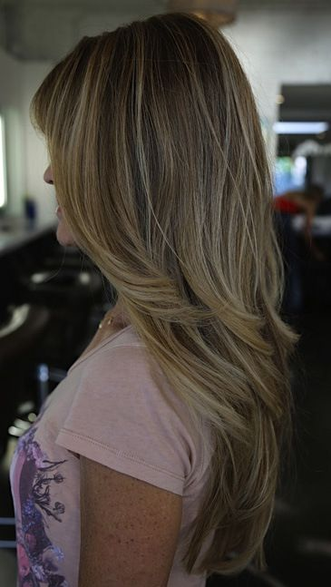 Love this color with the blond highlight!