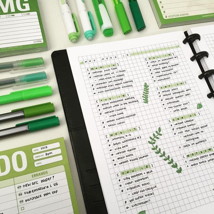 green 2017 simple minimal bullet journal spread idea inspiration