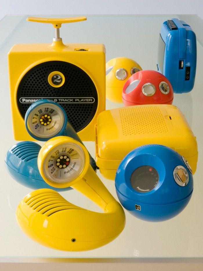 """La collezione completa, comprese le radio """"Toot-a-Loop"""" modello R-72 S"""