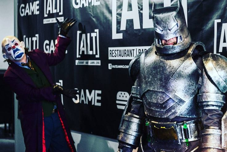 Gotham City Night 08.07.17  #altgaminglounge #dccomics #injustice2 #cosplay #batman #HarleyQuinn #joker #superman #comics #DC #greenlantern #thejokercocktail #thejoker #shazam #theflash #thedarkknight #netherrealm #warnerbros #comiccon #comicbooks #gothamcity #dcextendeduniverse #videogames #esports #gotham #playstation  #ps4 #xbox #xboxone