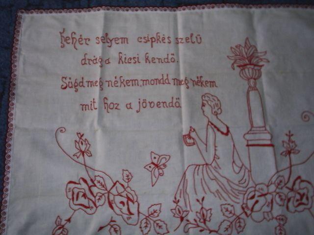 Falvédő - Fehér selyem csipkés szélű drága kicsi kend