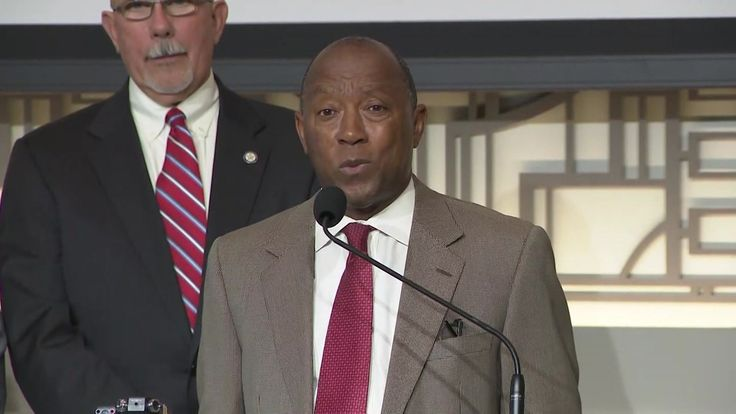 Mayor Sylvester Turner proposed a temporary tax increase to aid in Harvey recovery efforts.