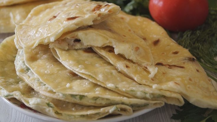 Кыстыбый. Татарские Лепешки с начинкой из картофельного пюре. Для приготовления лепешек не нужны никакие заморские продукты, готовятся совсем просто и достаточно быстро. Получаются мягкие, сочные, не…