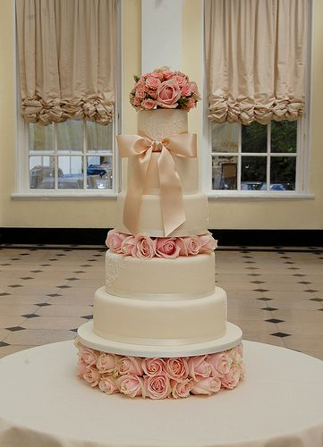 What a beauty by Sweet Tiers Cakes