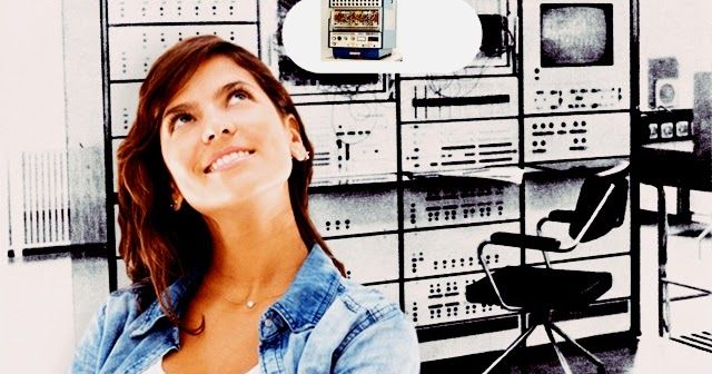 Komputer Hybrid     K omputer hybrid sederhananya adalah gabungan dari kedua jenis komputer analog, dan juga digital. Keunggulan dari kedu...