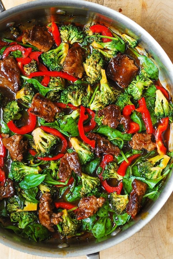 Asian Beef and Broccoli Salad - healthy salad with vegetables, broccoli, spinach, red bell peppers