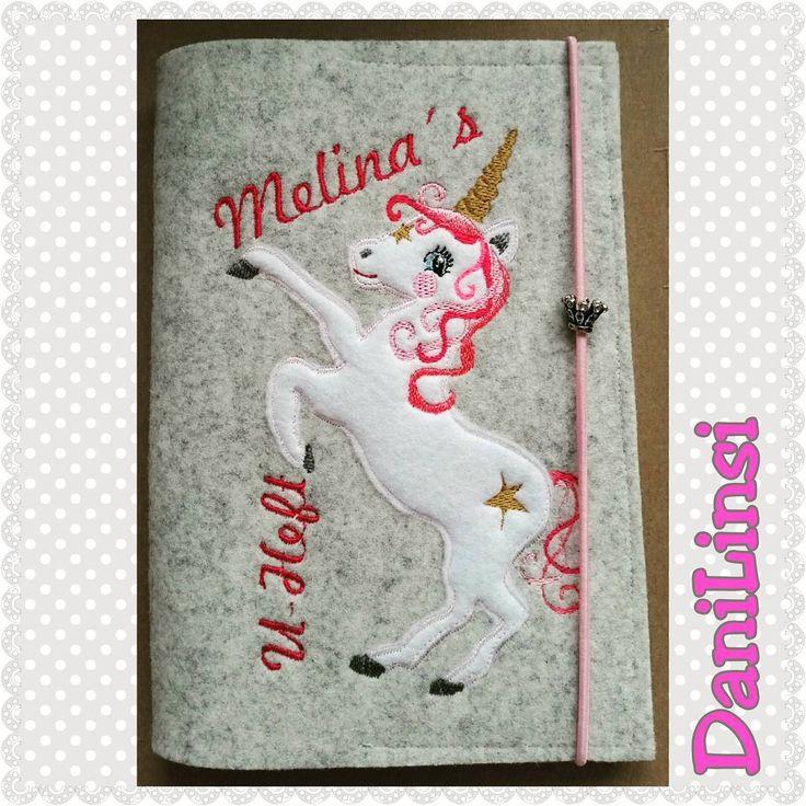 """""""Die kleine Melina hat nun auch eine U-Heft-Hülle.  #einhorn #uhefthülle #zwergenschönste #zwergenschön #nähenfürbabys #stickenmachtspass"""""""