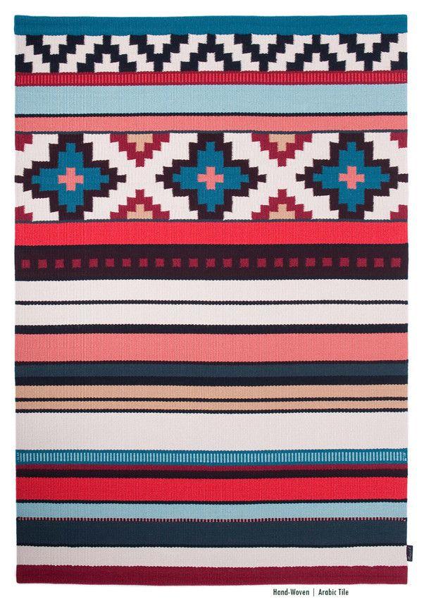 Your rug – your personality: Die Teppiche von Ferreira de Sá verbinden traditionelle Webkunst mit modernen Farben und Design. Jeder Teppich ist ein Unikat und wird individuell und einzigartig nach Ihren Bedürfnissen gefertigt. Im Norden Portugals entstehen Luxus-Teppiche aus den besten Rohstoffen für Sie handgeknüpft. Ein ganz persönliches Design-Highlight in Ihrem Zu Hause.
