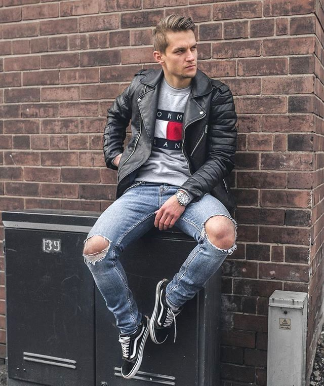 99df09e4a9 Street wear combo inspiration with a black leather jacket tommy hilfiger  shirt ripped denim black old skool vans sneakers  streetstyle  streetwear  ...