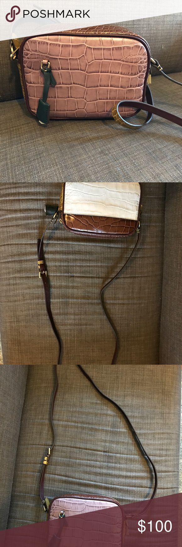 J Crew signet bag Brand new w tags J Crew signet bag...has all tags attached and the dust bag. J. Crew Bags Crossbody Bags