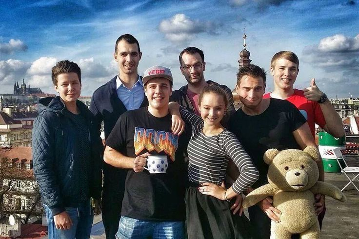 Vaďák, Stejk, Gabča, Valda a Jirka.
