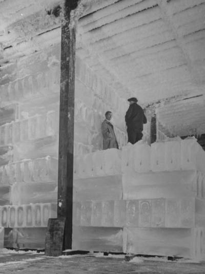 Inside the Lincoln Boyle and Co. ice warehouse at a Chicago railyard, 1943.