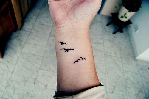 I like this a lot!!: Bird Tattoos, Tattoo Ideas, Wrist Tattoo, Piercing, Body Art, Birds, Tatoo, Ink