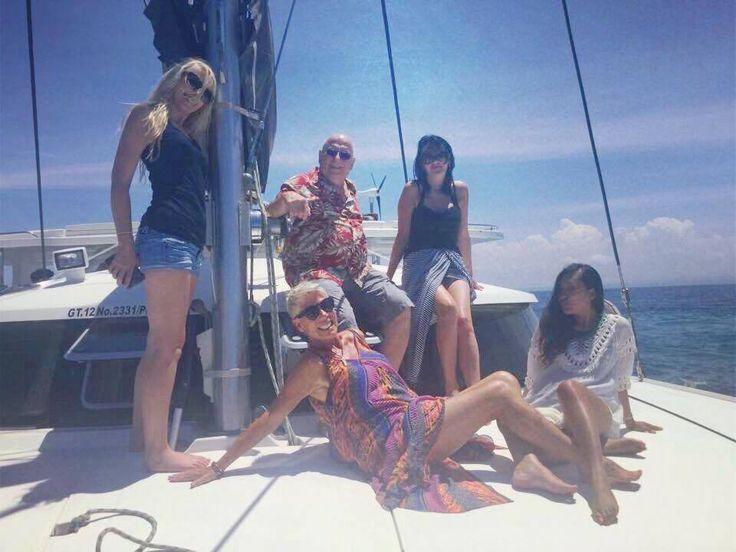 Deck posing on Jemme.... 😎☀️🌺. Courtesy of Sandy Valentine-Munn in #facebook. #pulauluxurycharters #gili #jemme #yacht #liveaboard #balilife #funinthesun