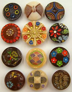 12-Vintage-Chocolate-Cream-Painted-Glass-Buttons