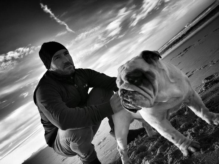 Bouledogue anglais - Rocky - Ballade à la plage