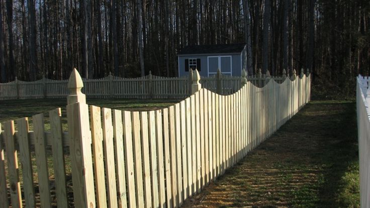 4 Concave Picket Wooden Fence With French Gothic Posts