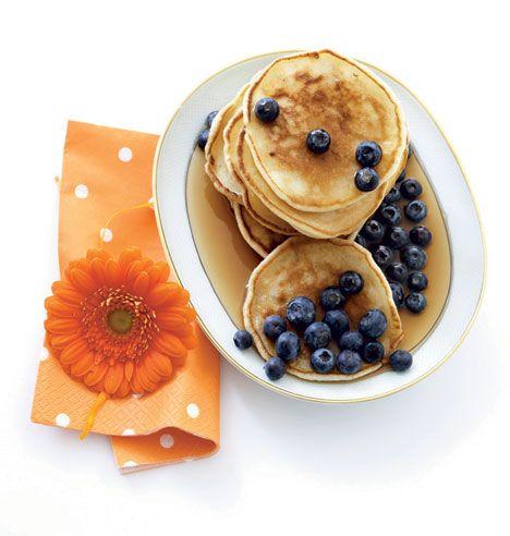 Opskrift på Små amerikanske pandekager med blåbær fra - Hendes Verden