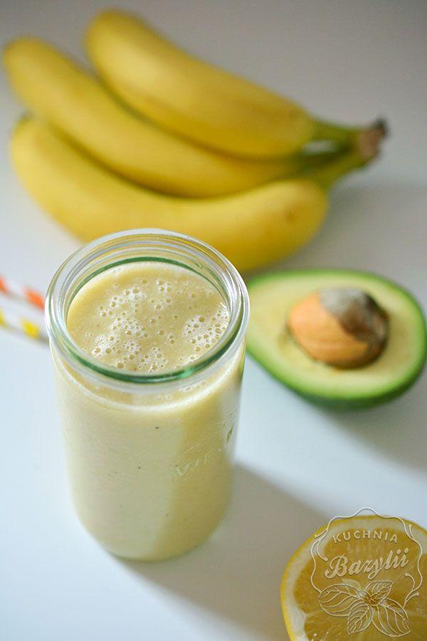 Zapraszam na prosty koktajl z bananem i awokado.Ten przepis polecam szczególnie osobom, które nie lubią awokado,a chcą przemycić je do swojej diety.
