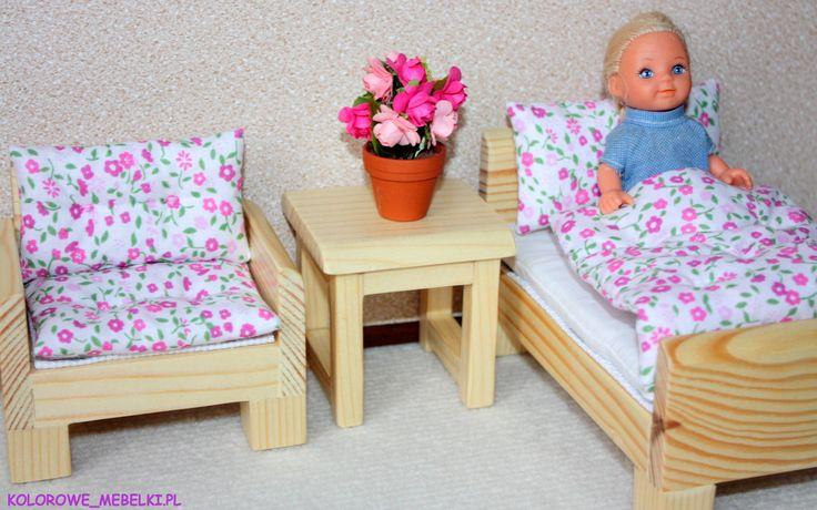 Dla dziecka lalki Barbie :) https://kolorowe-mebelki.pl/