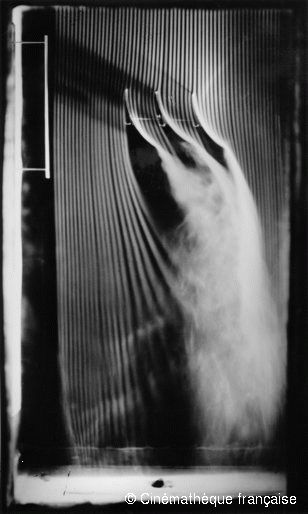 Etienne-Jules Marey,Three associated concave surfaces, 30-degree angle, fourth and last version of the smoke machine equipped with 57 channels,© Cinémathèque française