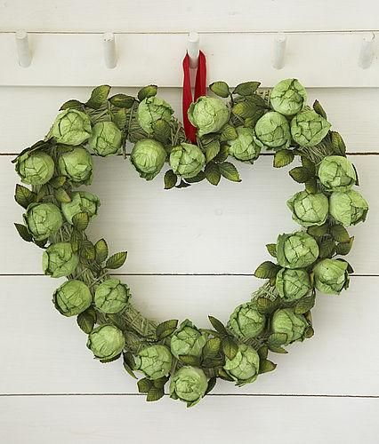 Brussel Sprout Heart Shaped Wreath...now this is Brussels Sprouts even my husband would love!