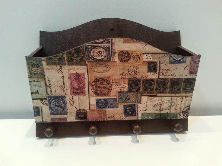 Oraganize suas correspondências neste charmoso porta cartas e chaves, estilo vintage. <br>Produto   em mdf, pintada e envernizada, detalhe em tecido digitalizado.  www.elo7.com.br/ateliemimosearts