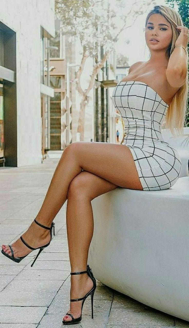 Amazing sexy petite hot blonde shemale woman