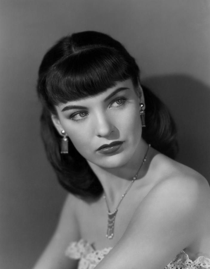 1940s hairstyles with bangs