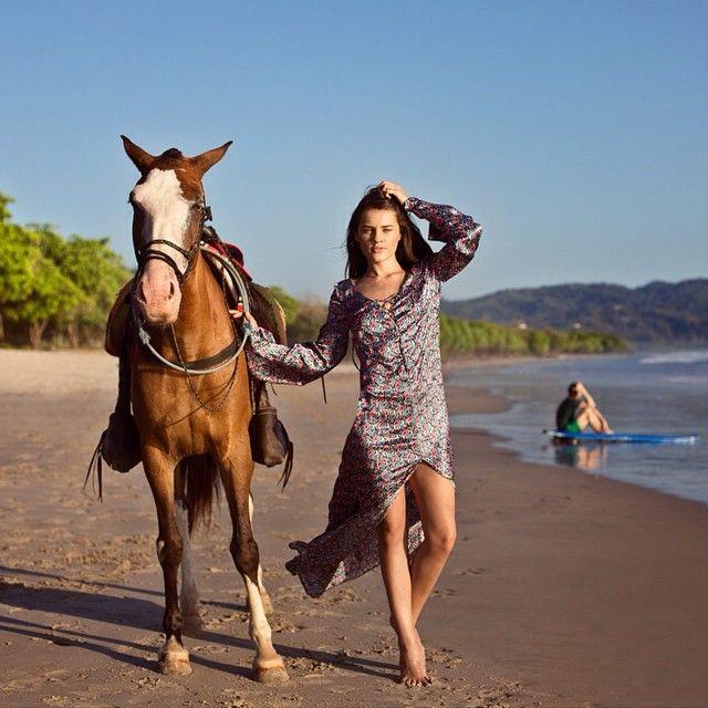 #puravida #beachbum #amazon #mermaid #cowgirl #surfer #girl #weekend #inspo from our photoshoot in #CostaRica  #vandazzz #silk #yinyang #paisley #kaftan by @georgesantamouris